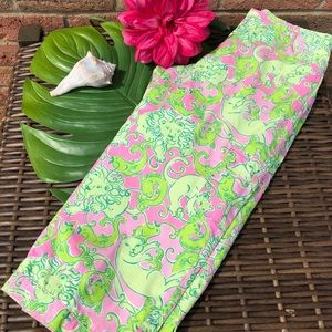 Bold Lilly Pulitzer Capris Wider Leg Size 2 or Y16